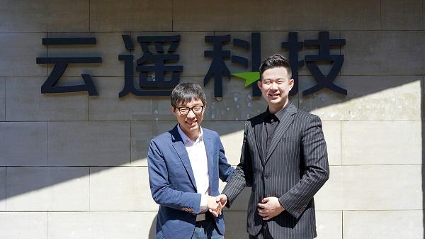 ▲ 모차 CEO 황이(좌), 투에이비 김성식 대표(우)