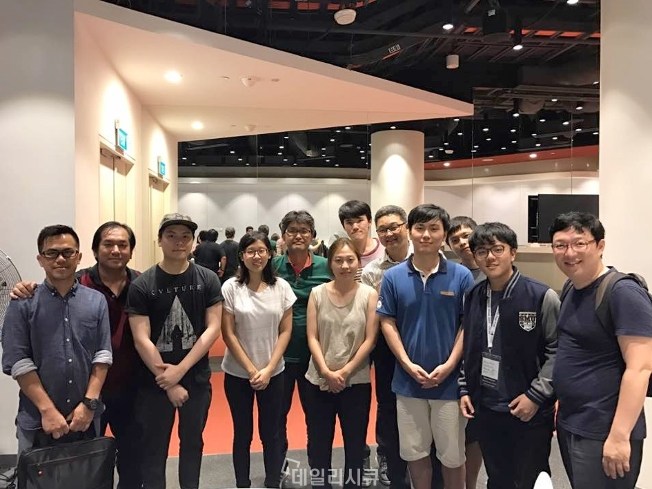 ▲ 이번 대회에서 우승한 싱가포르 NSHC 기반시설 보안 연구팀
