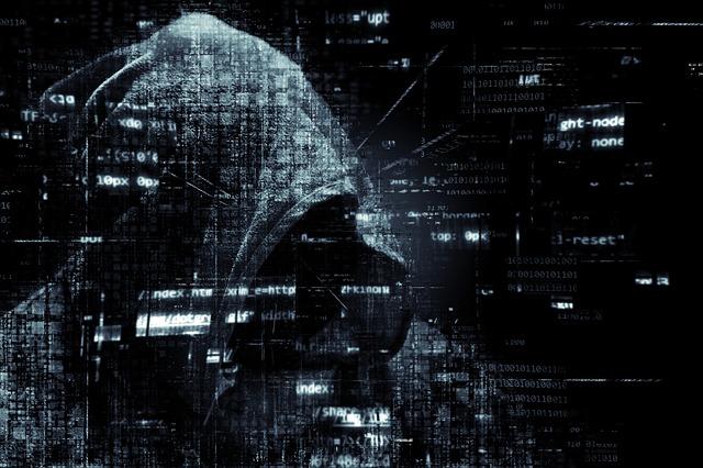 hacker-2300772_640.jpg