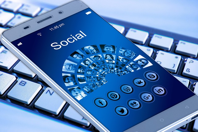 mobile-phone-1917737_640.jpg