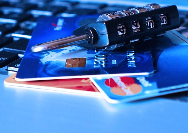 credit-card-1591492_640.jpg