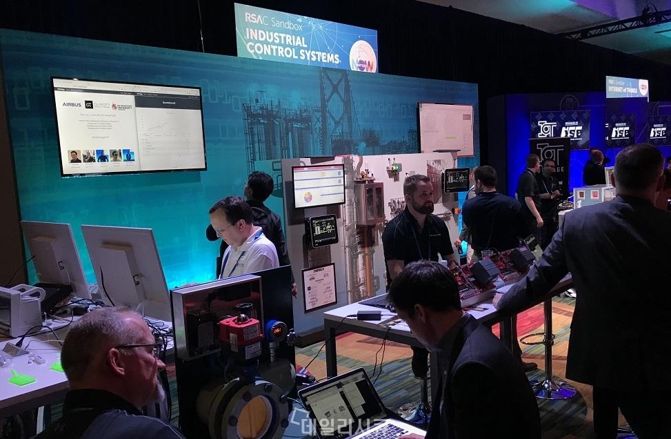 ▲ RSA 컨퍼런스 2018에서 열린 산업제어시스템 보안 전시.