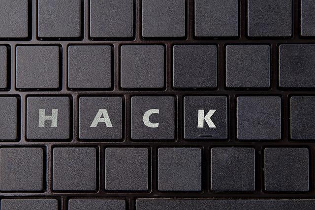 hacking-2300793_640.jpg