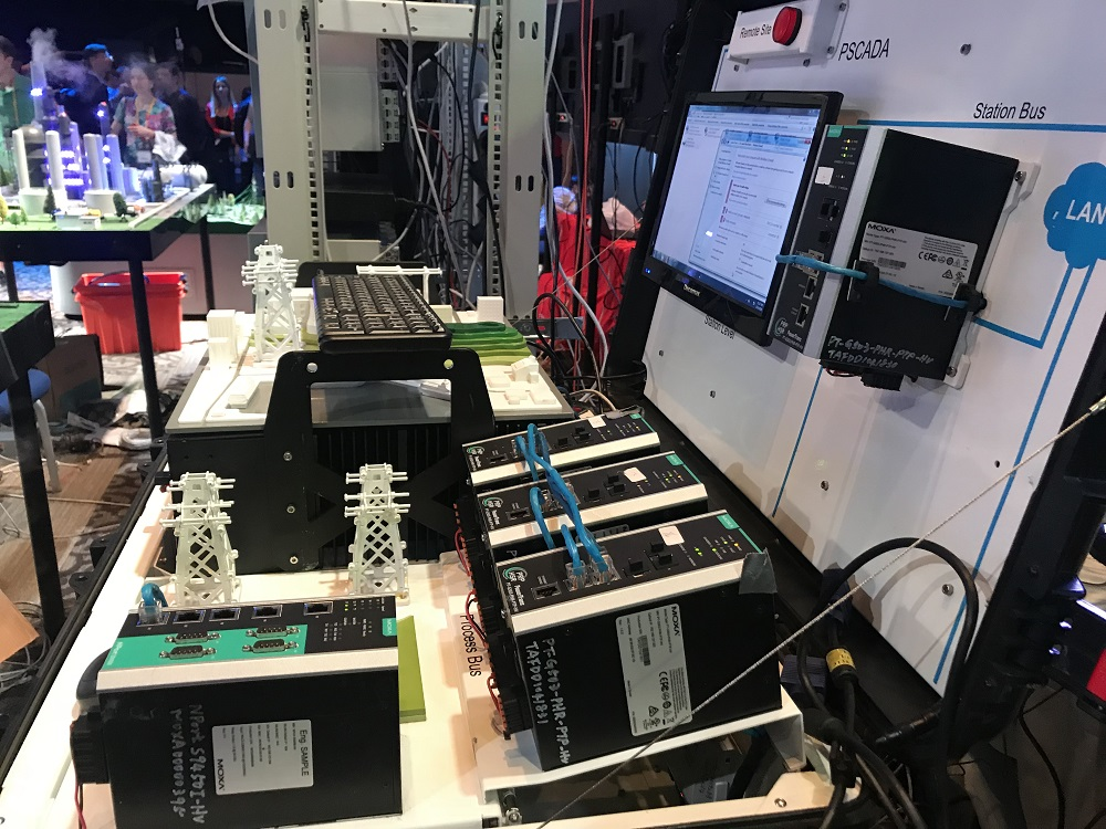 ▲ STANDOFF 대회에 실제 사용되고 있는 스카다 시스템.