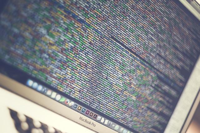 code-1785541_640.jpg