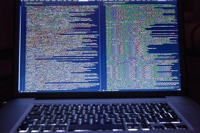 code-1689066_640.jpg