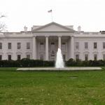 백악관, 네트워크 문제로 전 직원 휴대전화 사용 금지조치 검토중